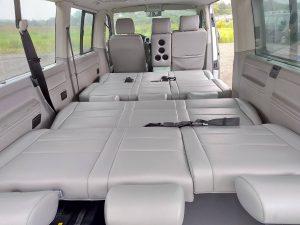 車床可以睡大人2人小朋友2-3人(小朋友150公分以下)